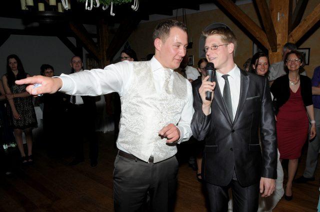 Große Musikauswahl für Partys und Moderation für Hochzeiten
