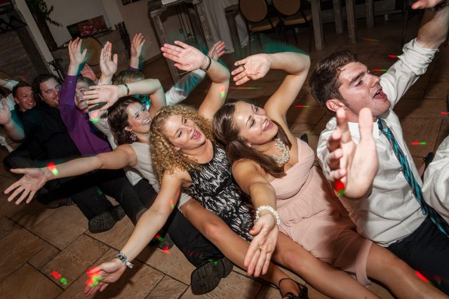 Große Musikauswahl für Partys und Moderation für Privatfeiern